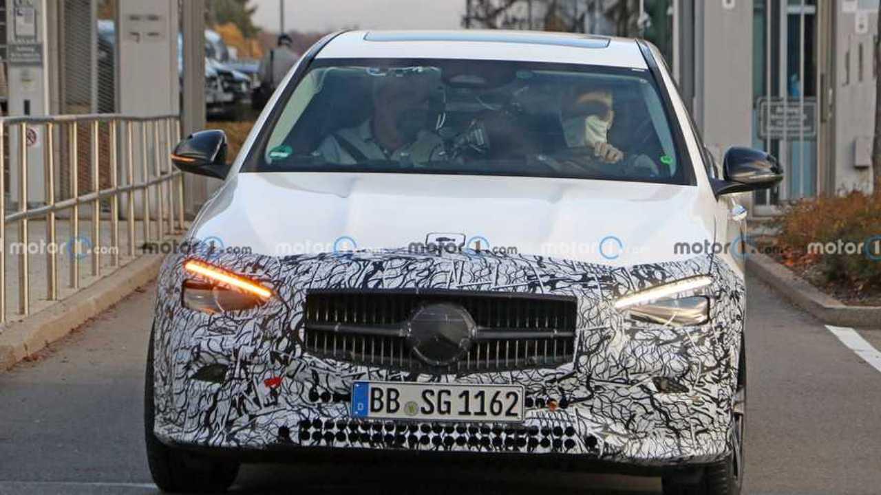 Mercedes C-Serisi tasarımı! Casus fotoğraflar