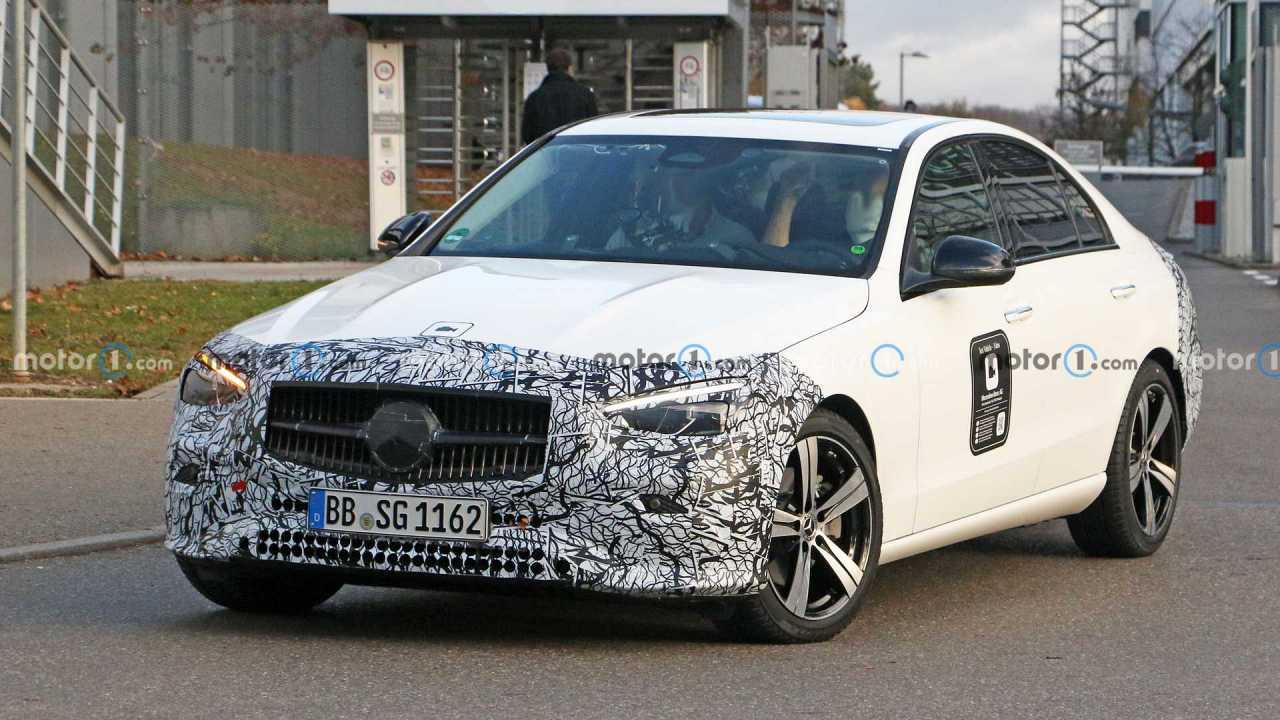 Mercedes C-Serisi Tasarımı Sızdırıldı