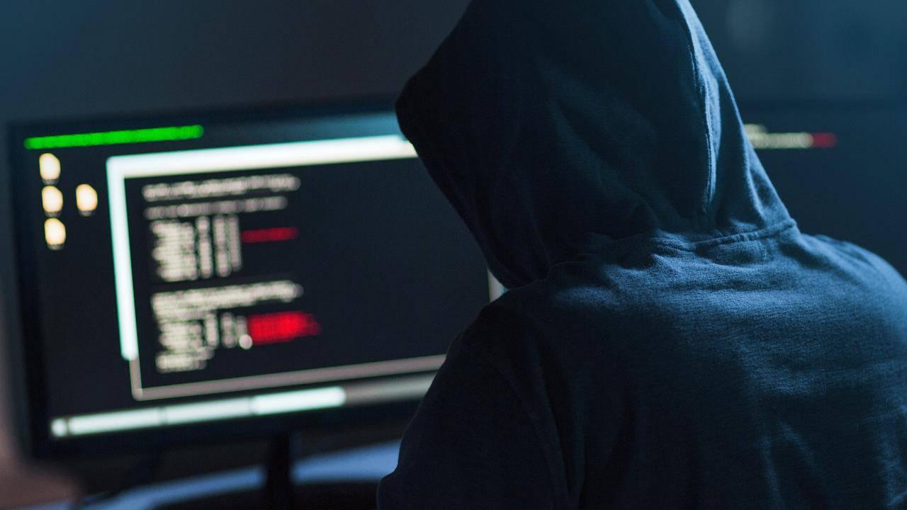 Zoom'daki Kasırga Toplantısına Hackerlerdan Pornografik İçerik!